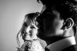 Mariage - Regard de la mariée vers son Mari